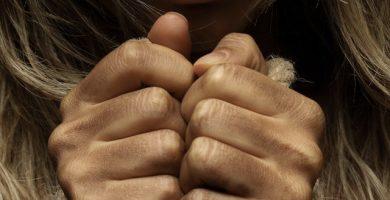 Cómo curar manos agrietadas
